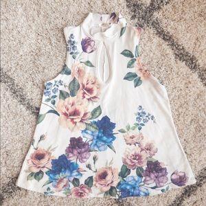 Tops - 🛍 3/$20🛍 Mockneck Floral Pastel Sleeveless Top